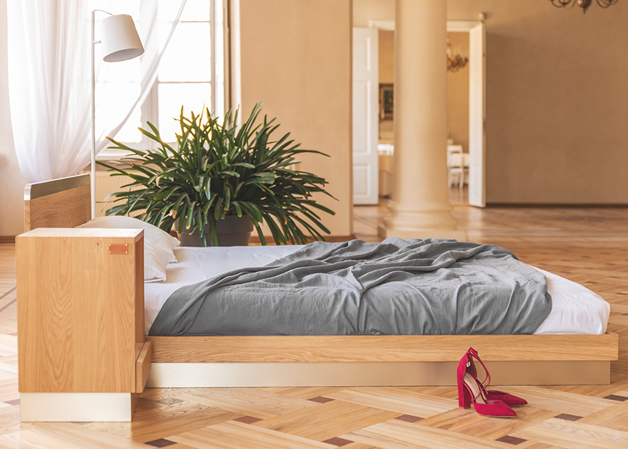 Solid oak nightstand Vira Gold